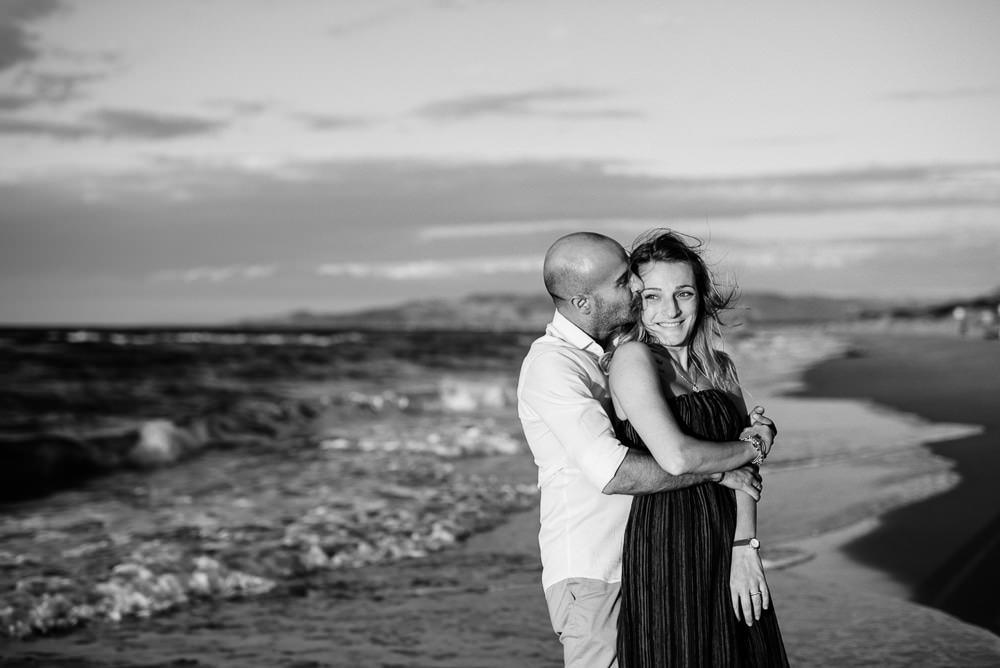 foto coppia al mare in sardegna